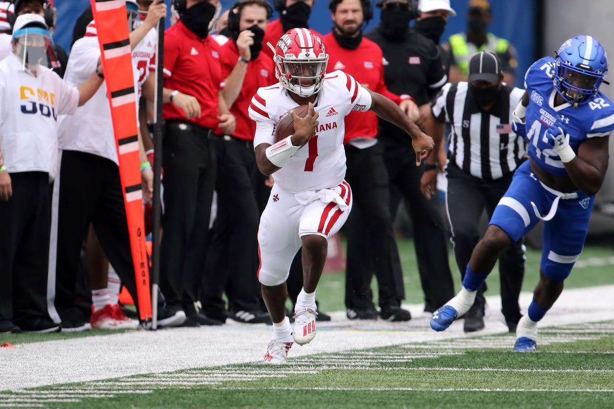 Lafayette Ragin Cajuns quarterback Levi Lewis carries the ball during the game between the Georgia State Panthers and the Louisiana-Lafayette Ragin Cajuns on September 19, 2020, at Center Parc Stadium in Atlanta, GA.