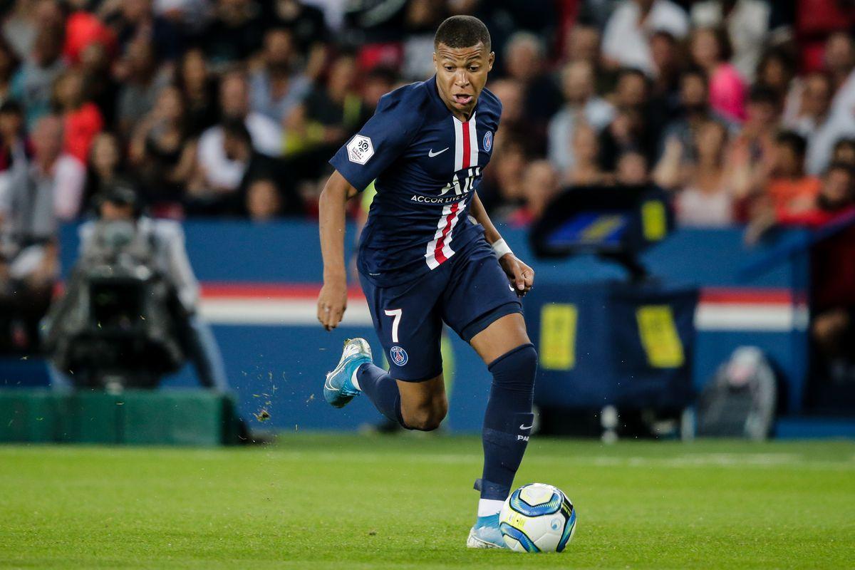Paris Saint Germain v Toulouse - French League 1
