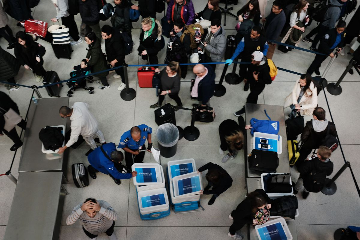 Flights and airports during the government shutdown