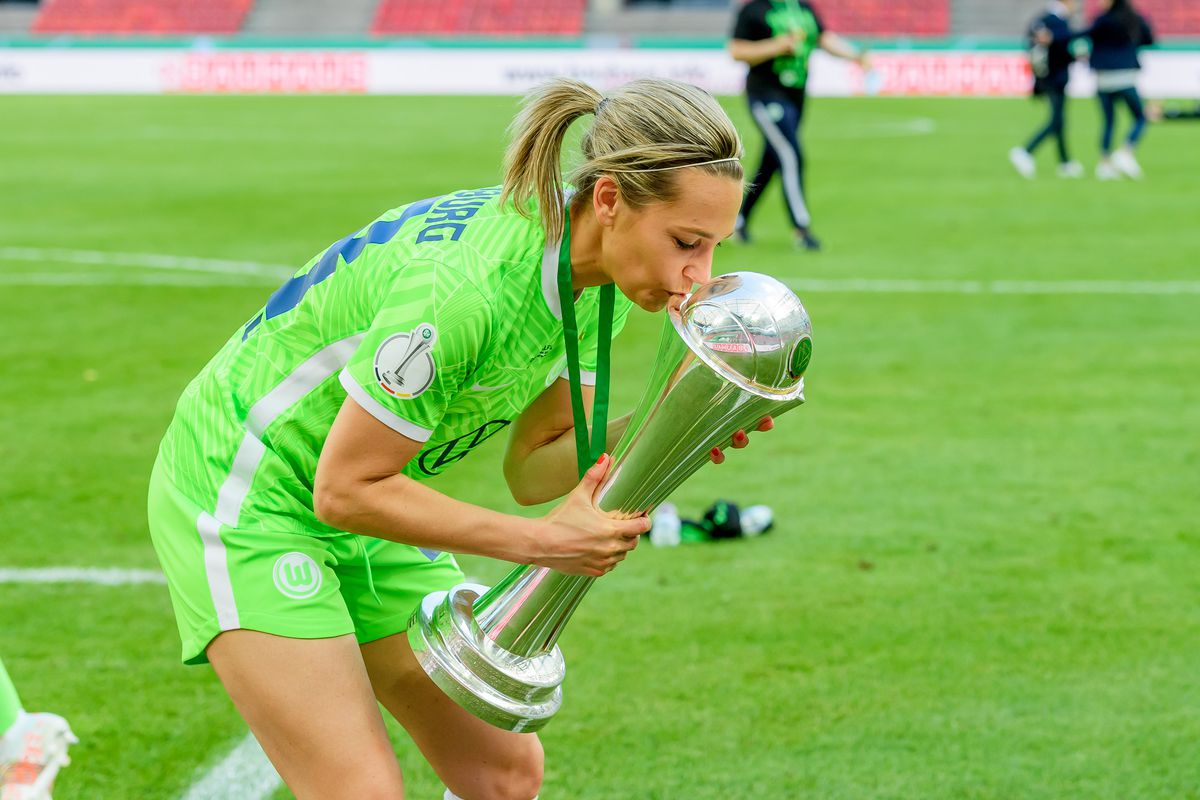 Eintracht Frankfurt v VfL Wolfsburg - Women's DFB Cup Final