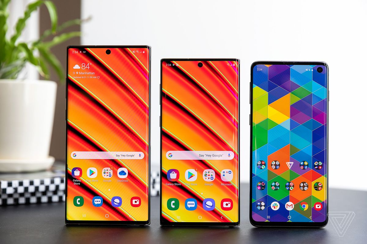 Left to right: Samsung Note 10 Plus, Note 10, Galaxy S10