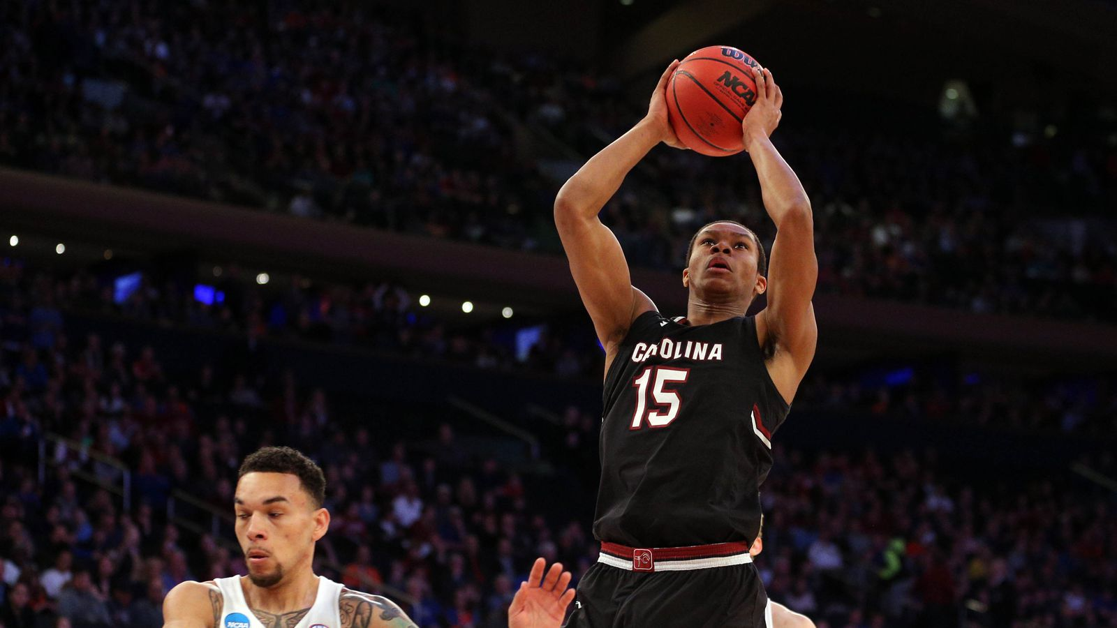 Lakers Free Agency News: Lakers sign undrafted rookie PJ ...