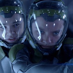"""Hailee Steinfeld and Asa Butterfield star in """"Ender's Game."""""""