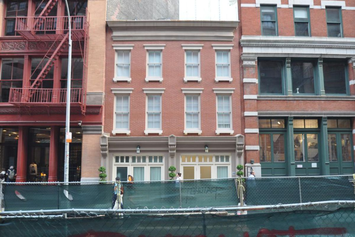 Taylor swift may have just bought a tribeca townhouse for Tribeca new york real estate