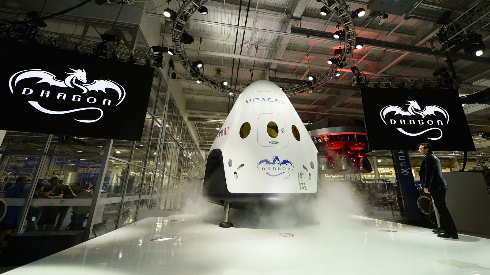 spacex 39 s new dragon capsule could be the future of space travel vox. Black Bedroom Furniture Sets. Home Design Ideas