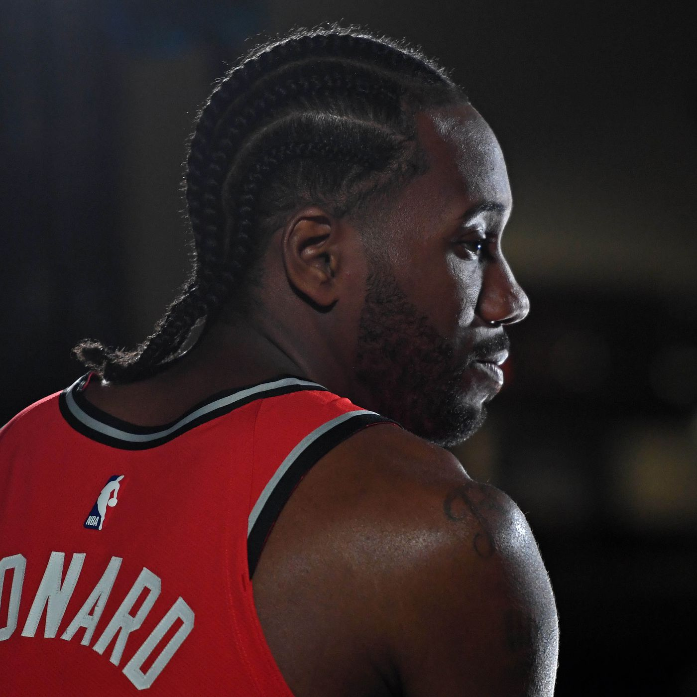 detailed look 34977 79a50 Kawhi Leonard is the most earnest athlete in sports