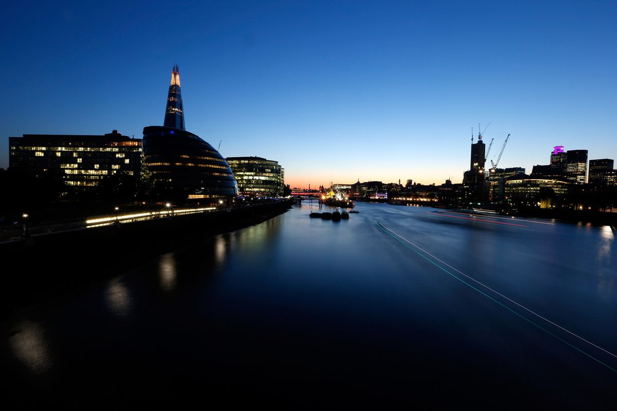 Nice river you got there, London. Freeze it.
