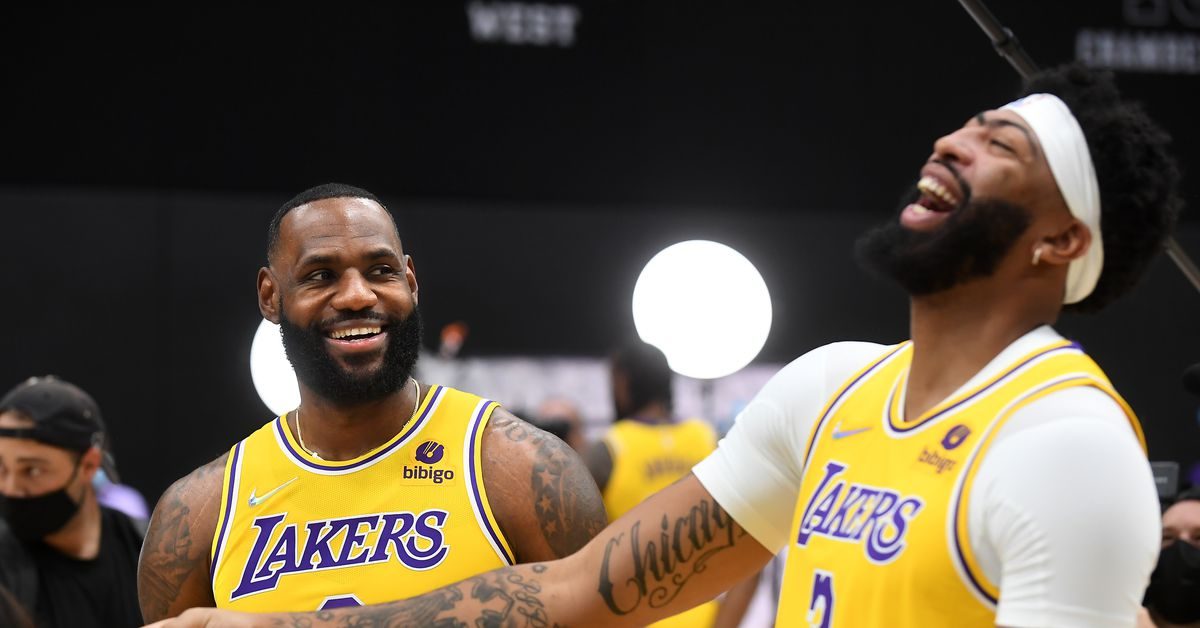 Why the Lakers are motivated — but not bothered — by being called old - Silver Screen and Roll