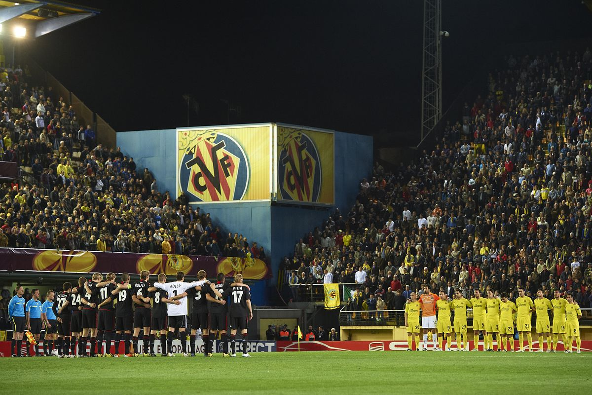 March 2011 vs Leverkusen at El Madrigal: a moment of silence for the tsunami victims in Japan