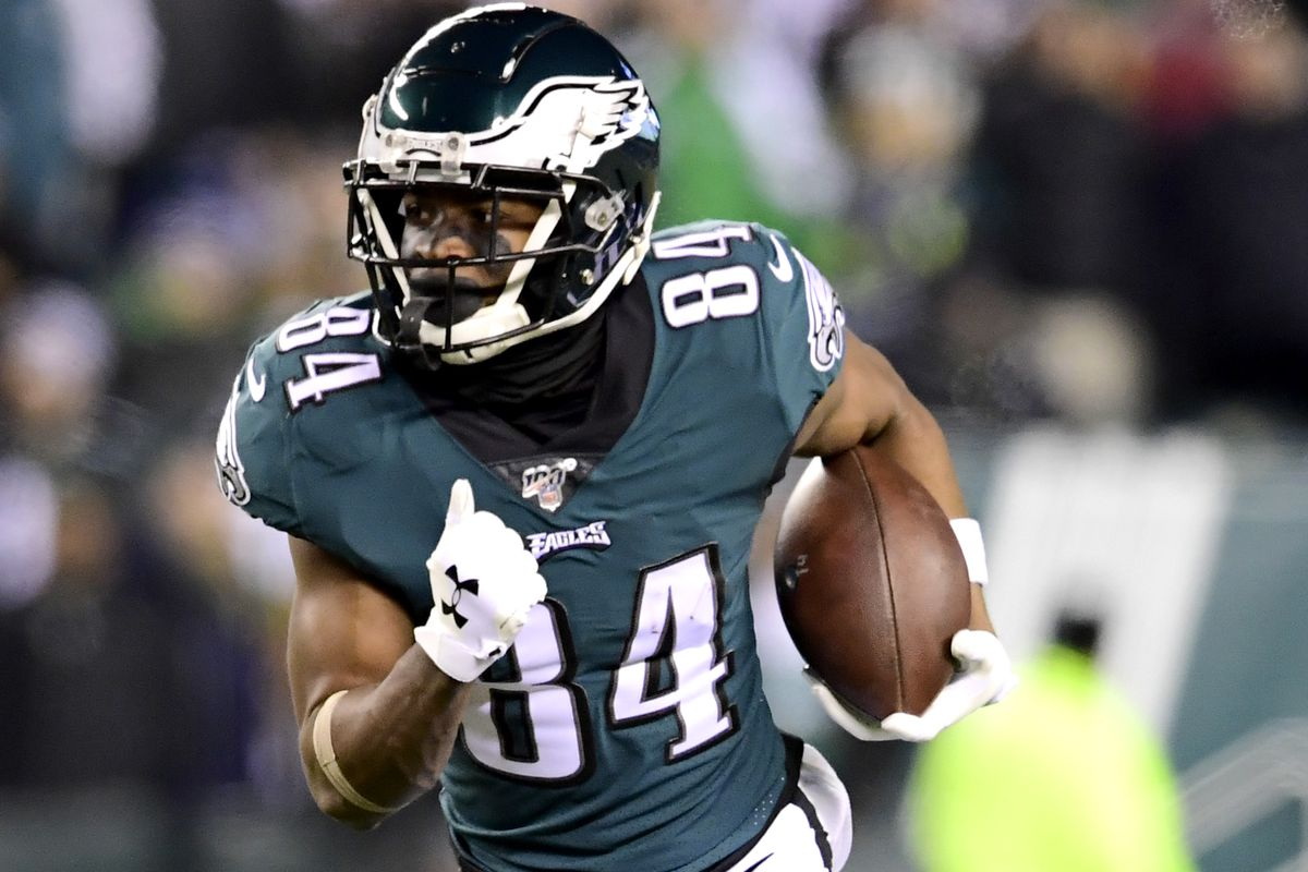 Greg Ward Jr. #84 of the Philadelphia Eagles runs the ball against the Seattle Seahawks in the NFC Wild Card Playoff game at Lincoln Financial Field on January 05, 2020 in Philadelphia, Pennsylvania.