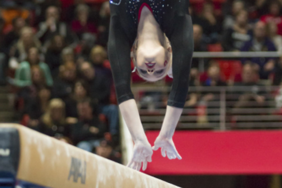 Georgia Dabritz suffered her first fall of the season on beam in Seattle, but Utah still beat Washington on their home floor.