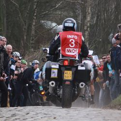 Motos try to stay with Cancellara