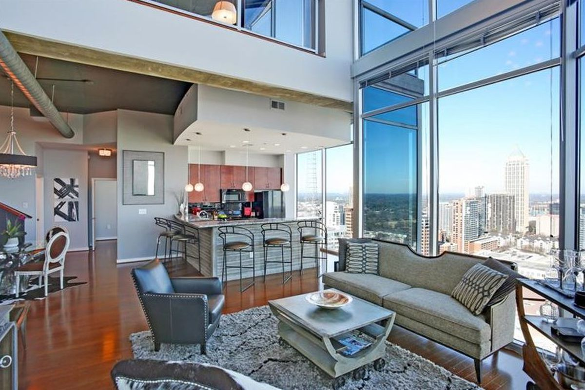 Million Dollar Midtown Penthouse Over Peachtree Scores