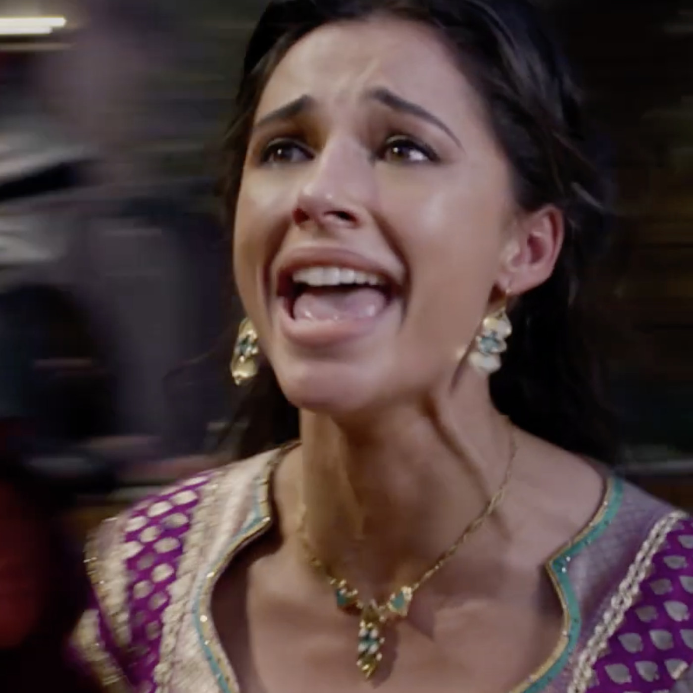 Watch Jasmine S New Aladdin Song Speechless In All Its Belty