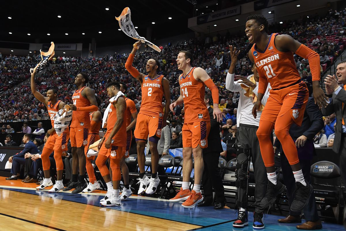 Clemson set to face Kansas in the Sweet 16