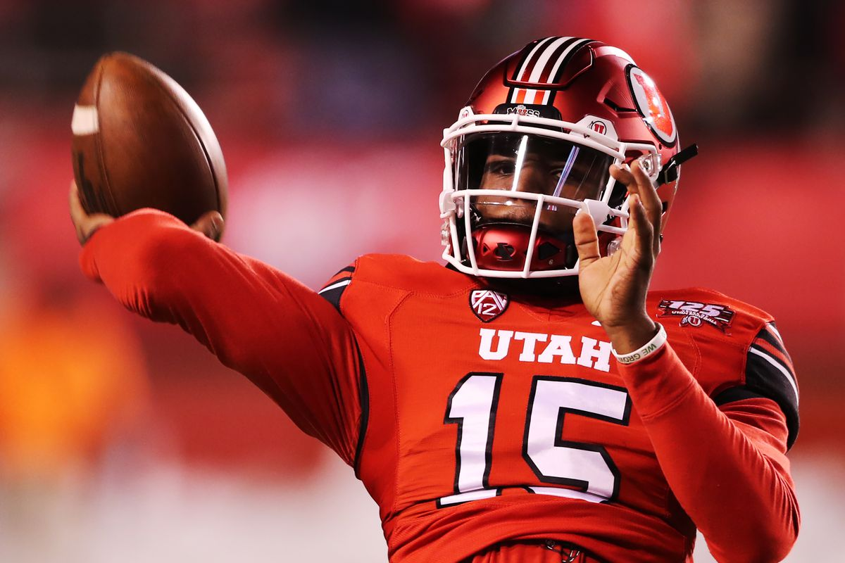Utah Utes quarterback Jason Shelley (15) warms up prior to kickoff as BYU and Utah play at Rice-Eccles Stadium in Salt Lake City on Saturday, Nov. 24, 2018. Shelley has transferred to Utah State, the Aggies announced Monday.
