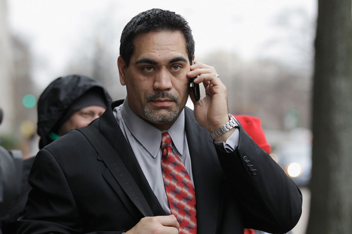 Is it me or does Mawae look like an older Khal Drogo from Game Of Thrones?  (Photo by Rob Carr/Getty Images)
