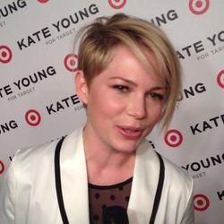 "A close-up on her new cut via <a href=""http://instagram.com/p/X6TsOGCw-g/"">PopSugarBeauty</a>/Instagram."
