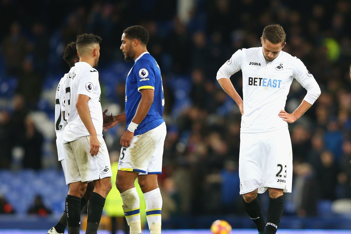 Sigurdsson has his head turned as Swansea reject £40m bid