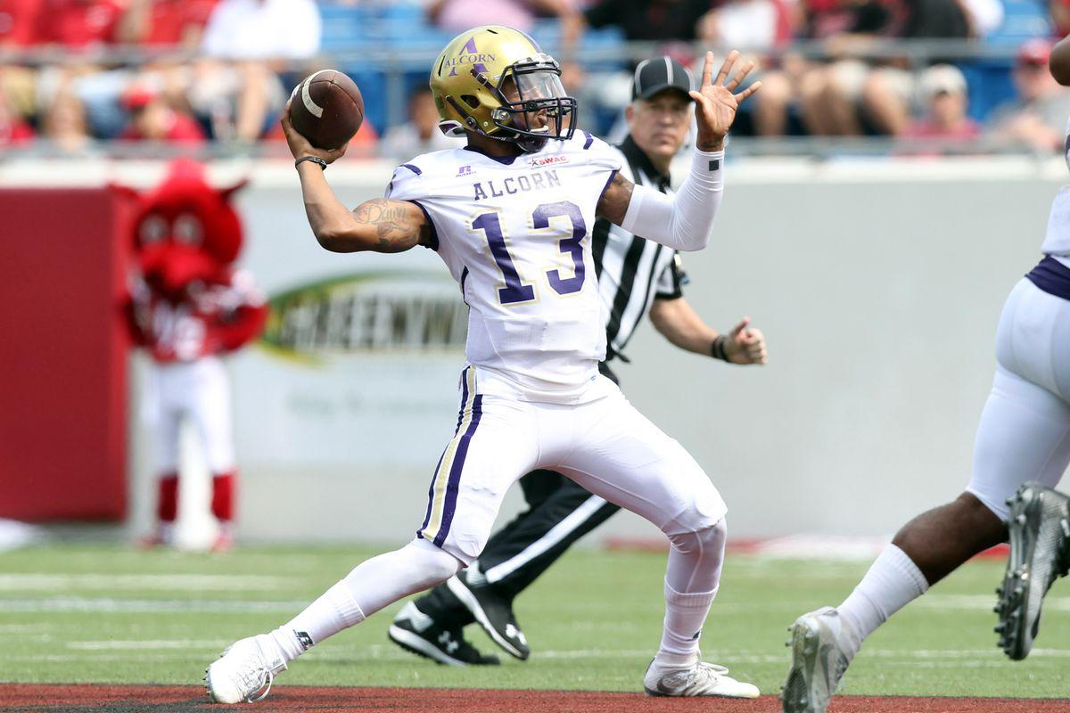 NCAA Football: Alcorn State at Arkansas