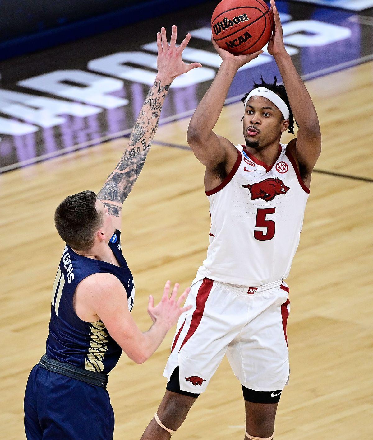NCAA Basketball: NCAA Tournament-Oral Roberts at Arkansas