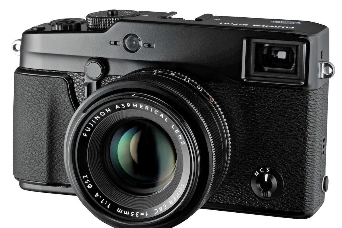 Fujifilm X-Pro1 official: 16-megapixel APS-C sensor and