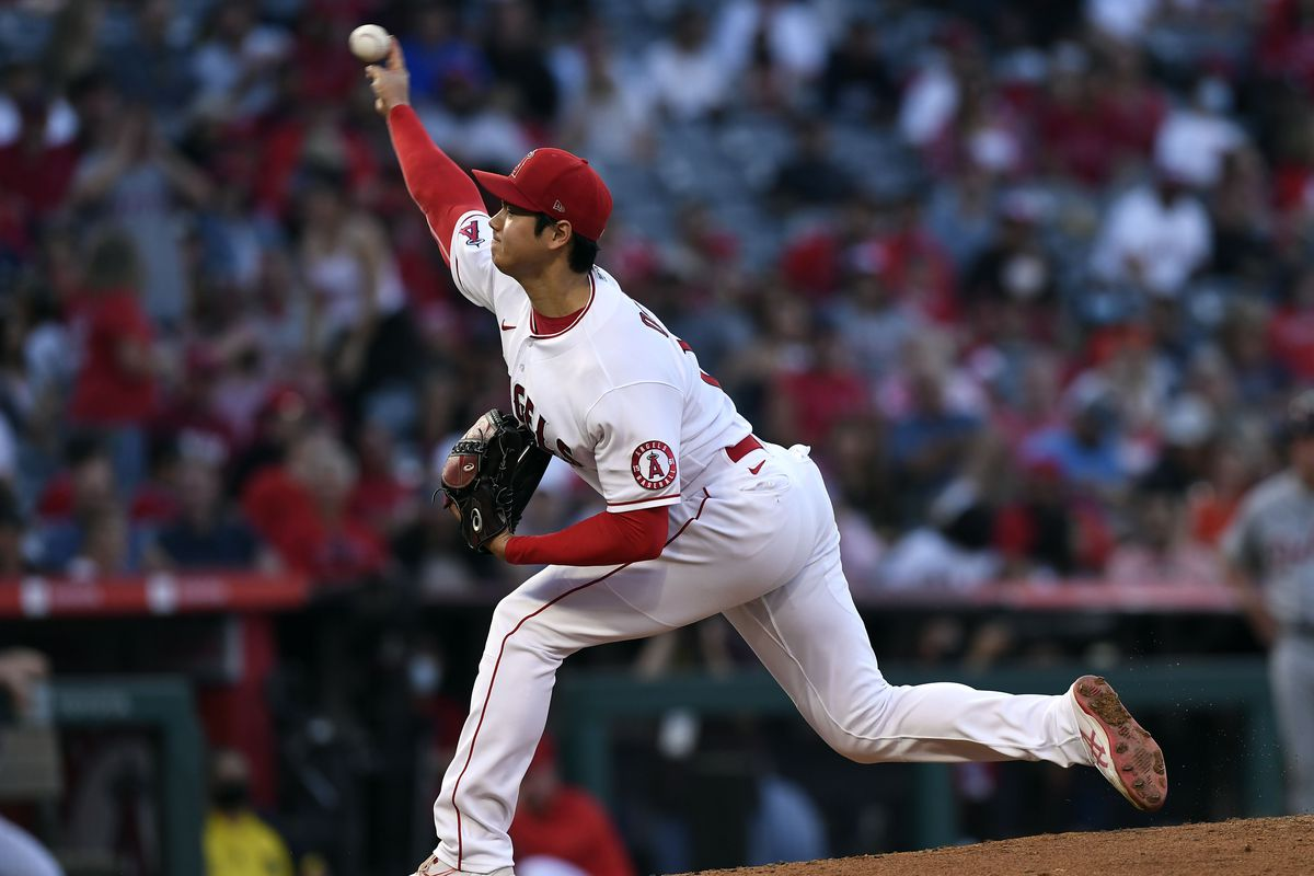Starting pitcher Shohei Ohtani #17 of the Los Angeles Angels throws during the third inning against the Detroit Tigers at Angel Stadium of Anaheim on June 17, 2021 in Anaheim, California.