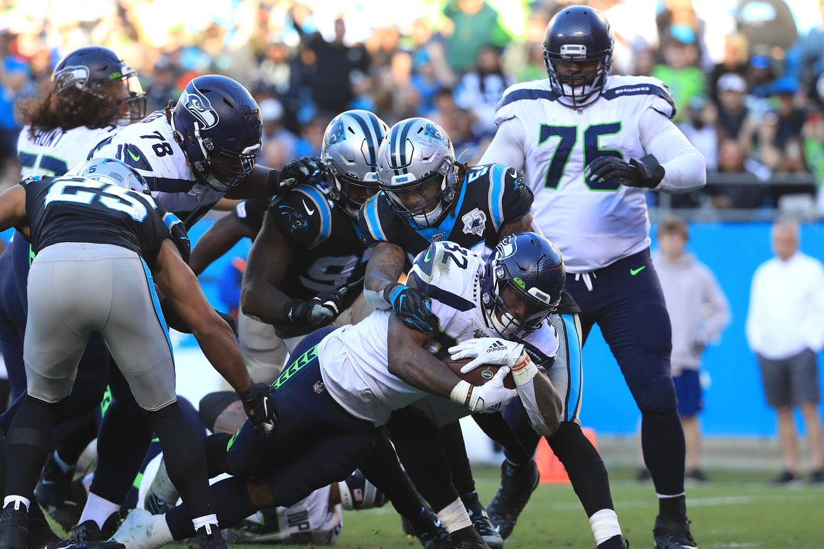 Seahawks build big lead, get predictably uncomfortable 30-24 win over Panthers
