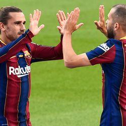 Griezmann thanks Alba for the assist