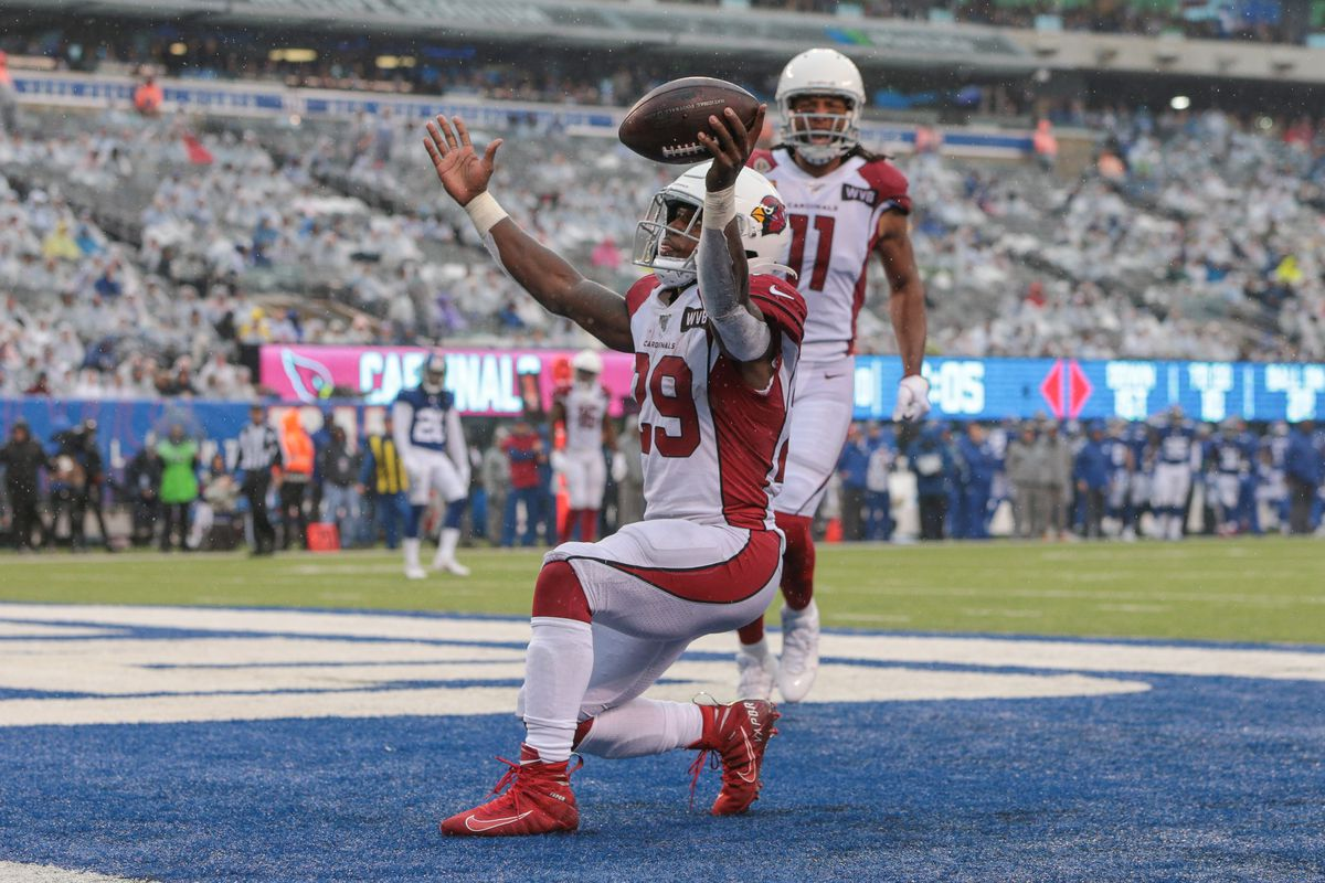 Arizona Cardinals running back Chase Edmonds celebrates his third touchdown of the game against the New York Giants during the second half at MetLife Stadium.