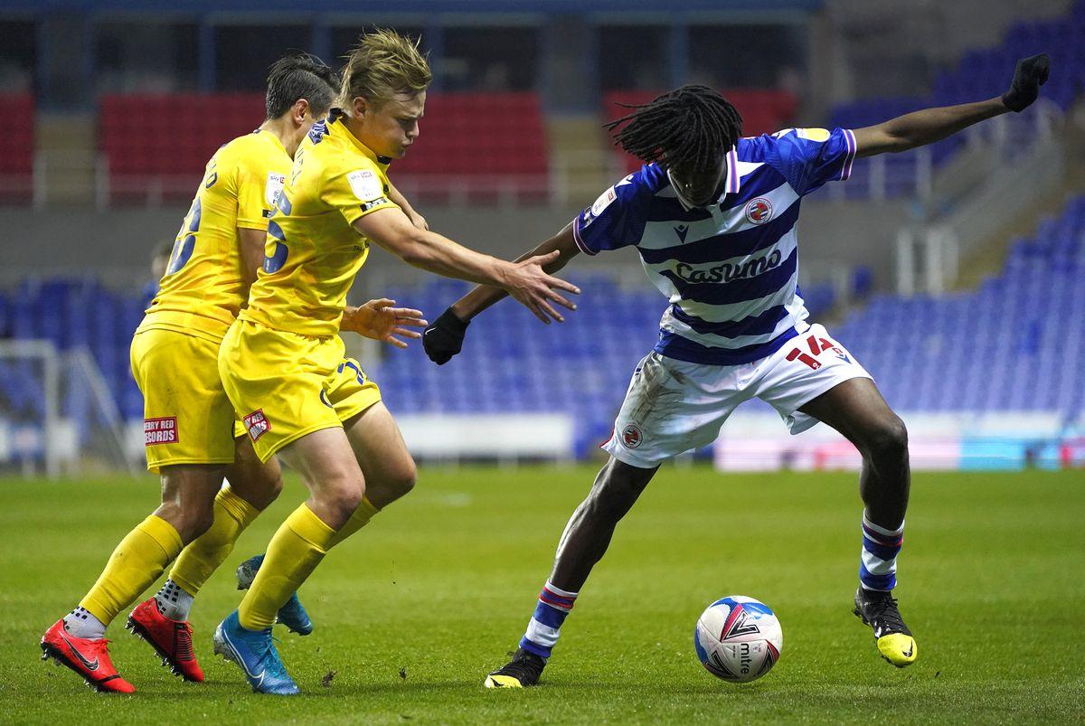 Reading v Wycombe Wanderers - Sky Bet Championship - Madejski Stadium