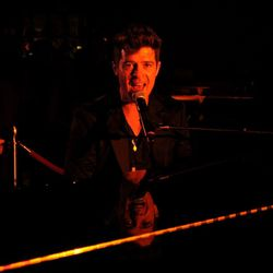 Robin Thicke performs.