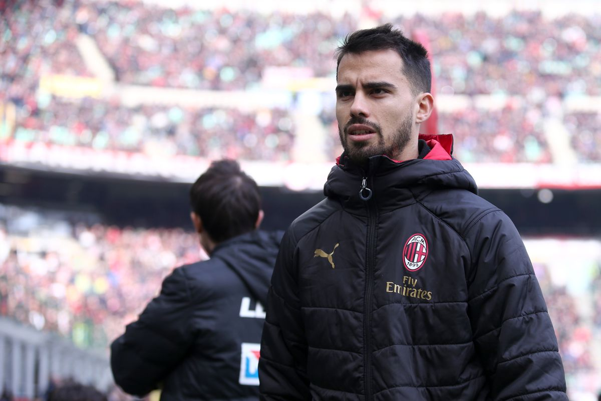 Suso of Ac Milan looks on before the Serie A match...
