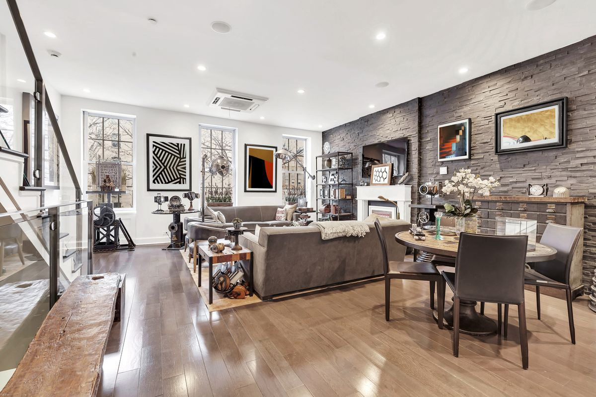Old Bleecker Street Townhouse With Bachelor Pad Vibes