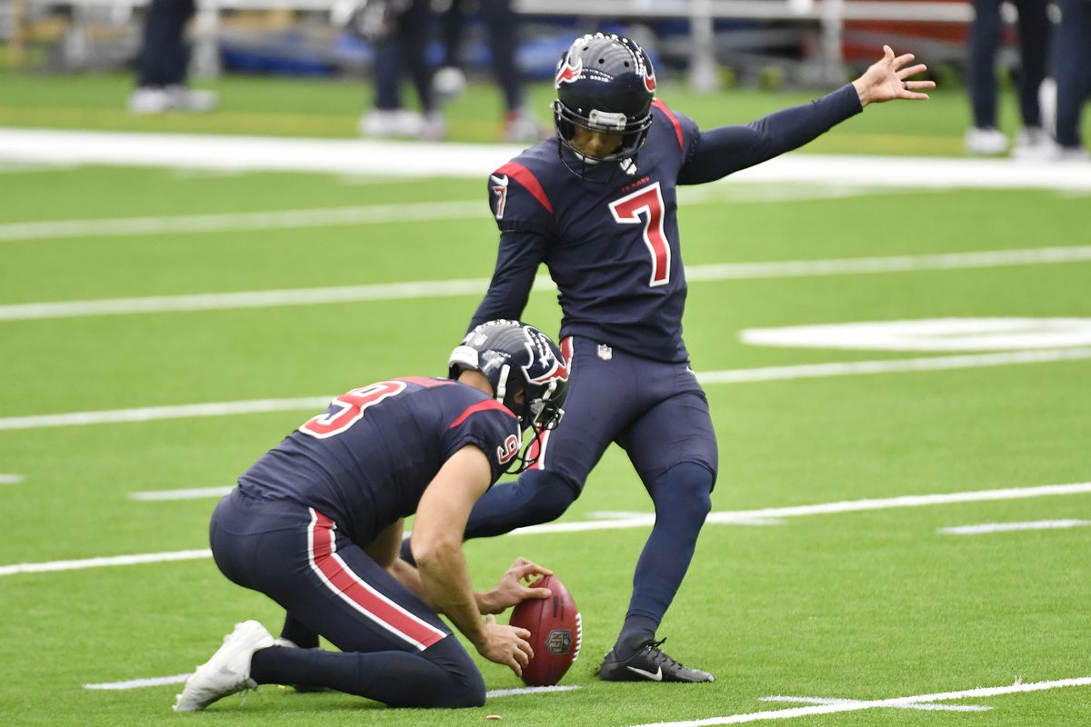 Ka'imi Fairbairn #7 of the Houston Texans misses a 41-yard field goal against the Green Bay Packers during the second quarter at NRG Stadium on October 25, 2020 in Houston, Texas.