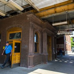CTA Sedgwick Brown Line stop in Old Town. | Tyler LaRiviere/Sun-Times