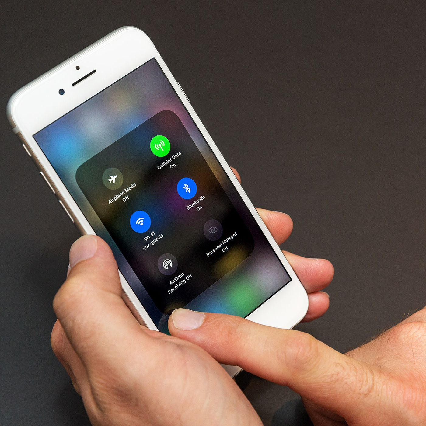 Turns your phone into an FM radio! Motorola FM Stereo Radio Headset