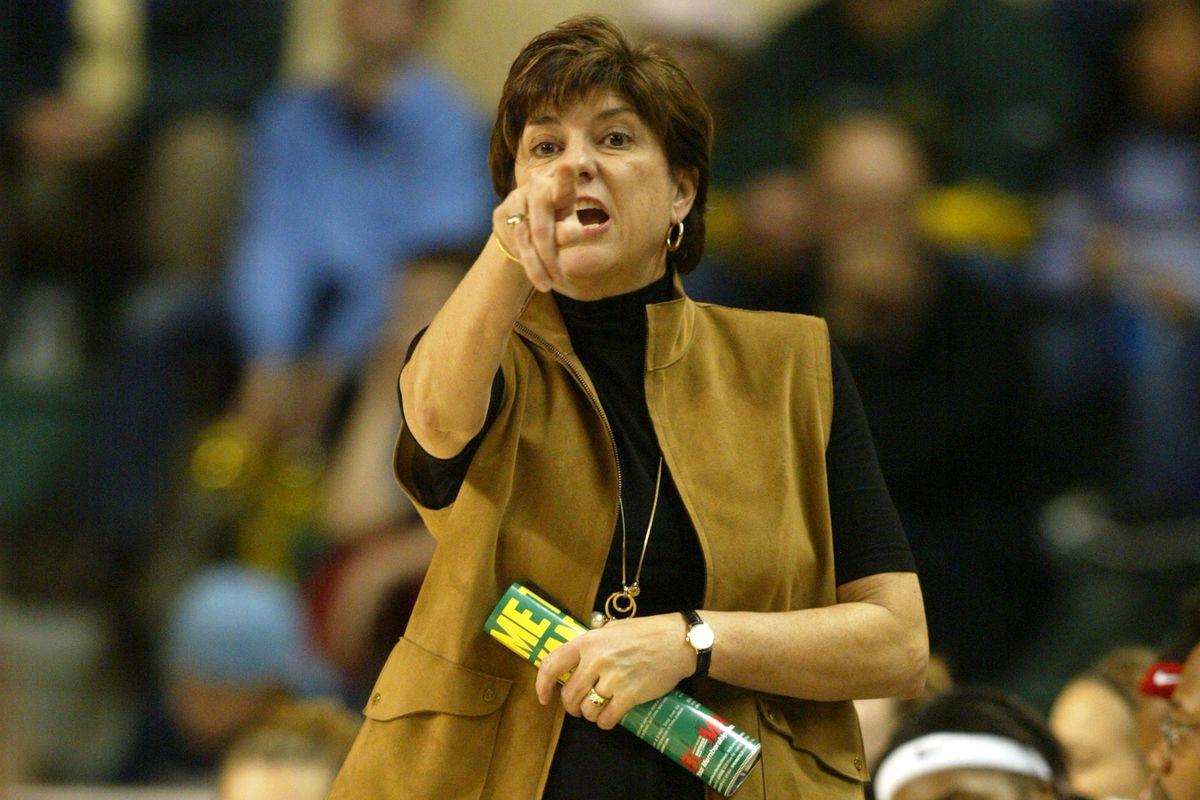 NCAA Women's Basketball - Arizona vs Oregon - January 22, 2004