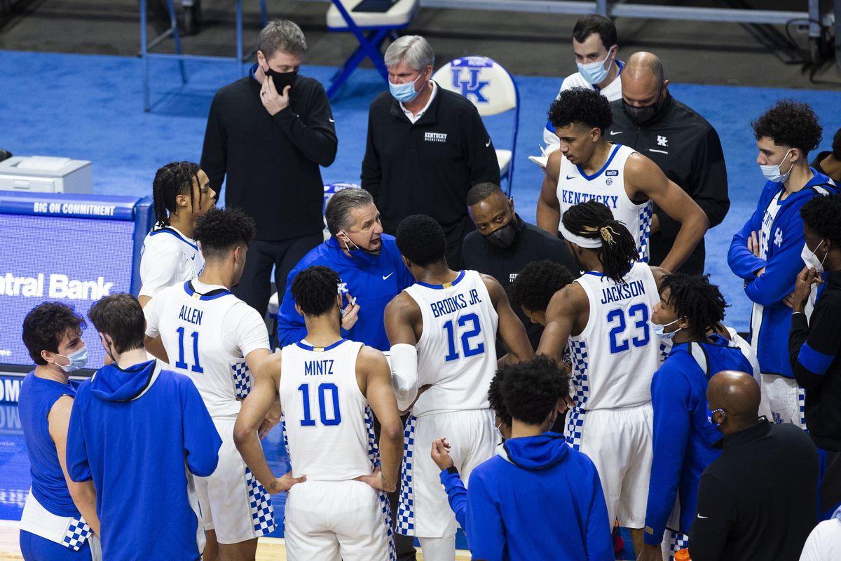 NCAA Basketball: Arkansas at Kentucky