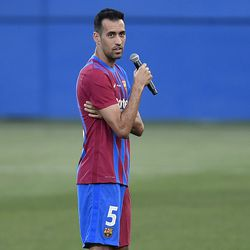 Busquets takes over the captain's pre-match speech