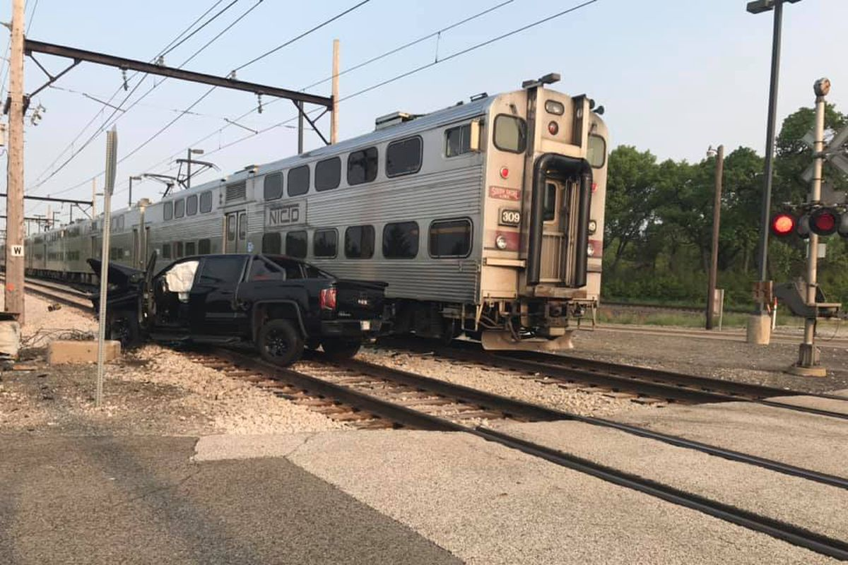 South Shore train hits pickup in Portage - Chicago Sun-Times