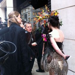 Simon Doonan chats with FIT students who dressed for the occasion.