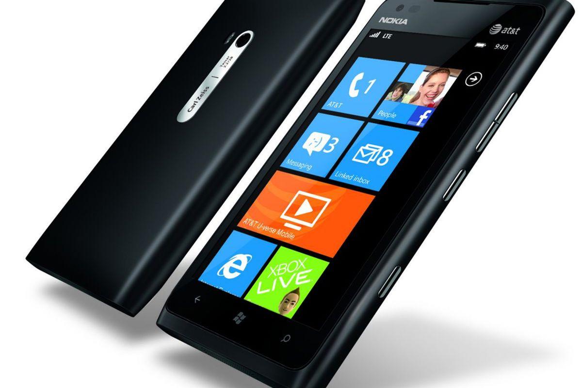 Nokia Lumia 900 official black