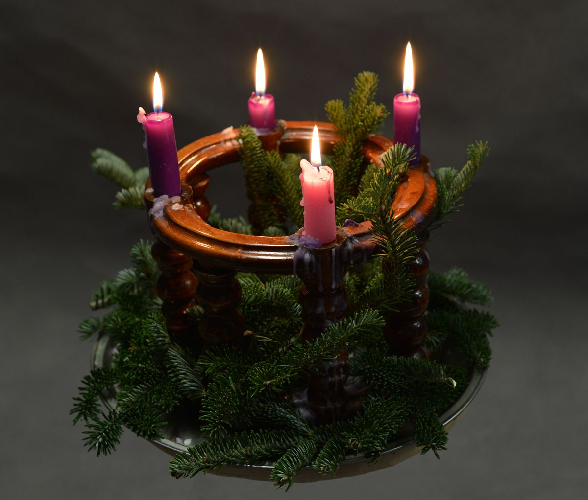 Advent explained vox a typical advent wreath biocorpaavc Images