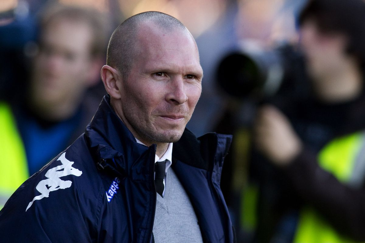 Portsmouth manager Michael Appleton handed a debut to on-loan Royals goalkeeper Mikkel Andersen, one of six Royals who played for loan clubs this week.