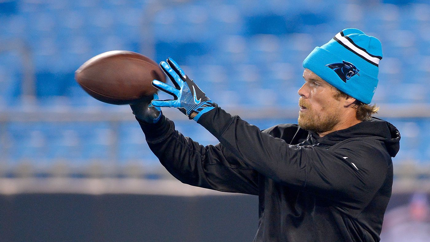 11c804758a3 Panthers TE Greg Olsen practices