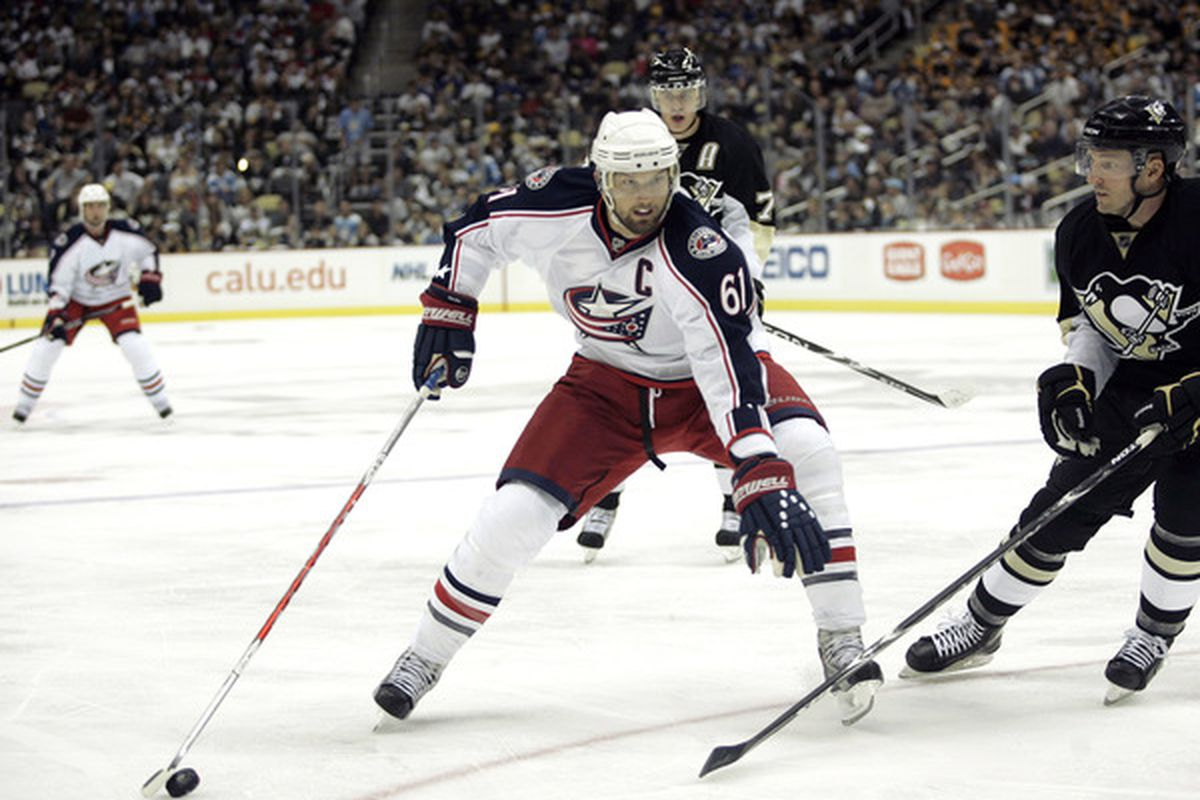 PITTSBURGH - SEPTEMBER 25:  Rick Nash #61of the Columbus Blue Jackets handles the puck against the Pittsburgh Penguins at Consol Energy Center on September 25 2010 in Pittsburgh Pennsylvania.  (Photo by Justin K. Aller/Getty Images)
