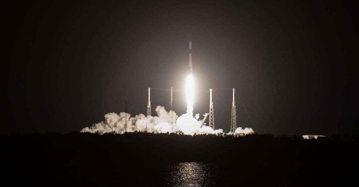 SpaceX launches the last flight of its original Dragon cargo capsule thumbnail