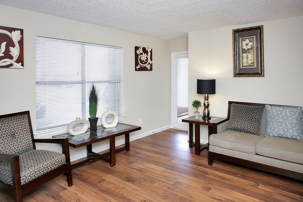 Austin rent what 850 month gets you curbed austin - 4 bedroom apartments south austin tx ...