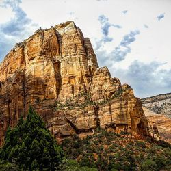 5th stop...Zion national park Definitely the best national park I ever visited. And surely the most dangerous too.We went thru the angels landing trail, an amazing trail that brings you on the top of this mountain. The last part of the trail is really tight (sometime less than 1m) and you can sometime have more than 300m drop offs. Amazing experience !